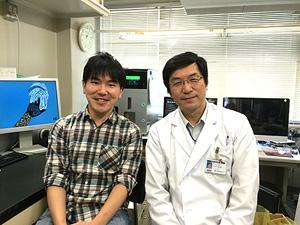 左:筆者、右:吉村昭彦(教授)