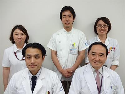 前列右:末岡浩(産婦人科学(産科)准教授)